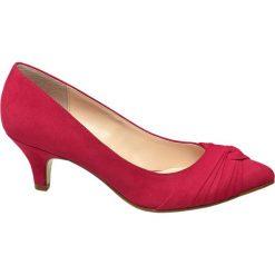Czółenka damskie Graceland czerwone. Czarne czółenka bez pięty marki Graceland, w kolorowe wzory, z materiału. Za 79,90 zł.