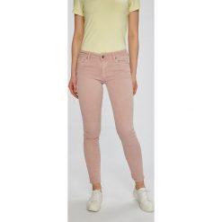 Answear - Jeansy Garden of Dreams. Białe jeansy damskie marki ANSWEAR, z bawełny. W wyprzedaży za 79,90 zł.
