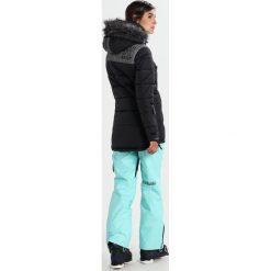 Superdry ALPINE ATTITUDE Kurtka snowboardowa black. Szare kurtki damskie narciarskie marki Superdry, l, z nadrukiem, z bawełny, z okrągłym kołnierzem. W wyprzedaży za 871,20 zł.