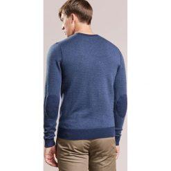 Hackett London FINE  Sweter denim. Niebieskie swetry klasyczne męskie marki Hackett London, m, z denimu. W wyprzedaży za 571,35 zł.