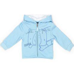 Bluza dresowa w kolorze błękitnym. Niebieskie bluzy chłopięce marki Street Monkey, z bawełny. W wyprzedaży za 49,95 zł.