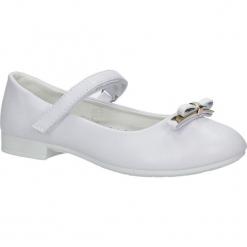 Białe buty komunijne z kokadrą Casu SH03AC-1. Białe buciki niemowlęce Casu. Za 54,99 zł.