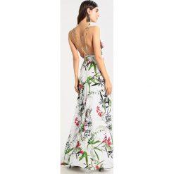 Długie sukienki: MARCIANO LOS ANGELES OVERLAP SUMMER DRESS Długa sukienka white