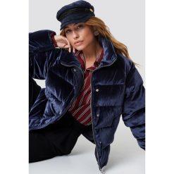 NA-KD Aksamitna kurtka - Blue. Niebieskie kurtki damskie NA-KD, z materiału. Za 404,95 zł.