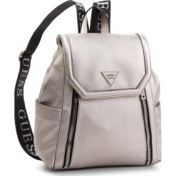 Plecak GUESS - HWVQ71 09320 PEW. Szare plecaki damskie marki Guess, z aplikacjami, ze skóry ekologicznej, klasyczne. Za 599,00 zł.