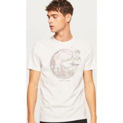 T-shirty męskie: Melanżowy t-shirt z nadrukiem - Biały