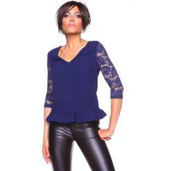 """Koszulka """"Carla"""" w kolorze granatowym. Niebieskie bluzki koronkowe La Belle Française, s. W wyprzedaży za 130,95 zł."""