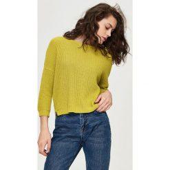 Luźny sweter z dekoltem w łódkę - Żółty. Żółte swetry klasyczne damskie Sinsay, l. Za 39,99 zł.