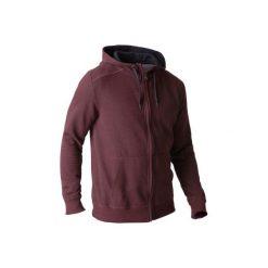 Bluza na zamek z kapturem Gym & Pilates 900 męska. Czerwone bluzy męskie rozpinane marki KALENJI, m, z elastanu, z długim rękawem, długie. W wyprzedaży za 64,99 zł.