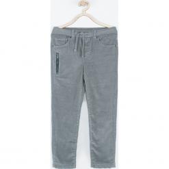 Spodnie. Szare chinosy chłopięce COOL, z bawełny. Za 99,90 zł.