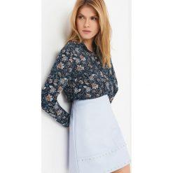 Koszule wiązane damskie: Koszula z kwiatowym wzorem