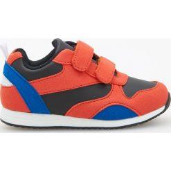 Buciki niemowlęce chłopięce: Sportowe buty zapinane na rzepy - Pomarańczo