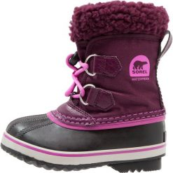 Sorel YOOT PAC Śniegowce purple dahlia/foxglove. Fioletowe buty zimowe chłopięce Sorel, z materiału. Za 299,00 zł.