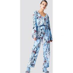 Kombinezony damskie: Trendyol Kombinezon z nadrukiem i wiązaniem - Blue