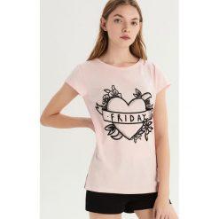 Dwuczęściowa piżama z nadrukiem - Różowy. Czerwone piżamy damskie Sinsay, l, z nadrukiem. Za 39,99 zł.