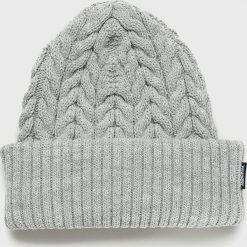 Wrangler - Czapka. Szare czapki zimowe damskie Wrangler, na zimę, z dzianiny. Za 119,90 zł.