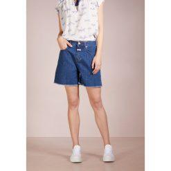 CLOSED LUCY Szorty jeansowe dark saltn pepper. Niebieskie bermudy damskie CLOSED, z bawełny. W wyprzedaży za 431,20 zł.