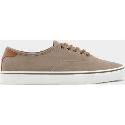 Buty męskie: Beżowe tenisówki basic w miejskim stylu