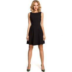Sukienki: Czarna Efektowna Sukienka bez Rękawów z Szerokim Dołem