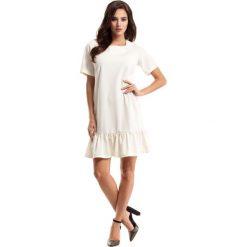 Sukienki: Ecru Sukienka Pudełkowa z Falbanką