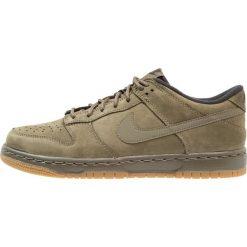 Nike Sportswear DUNK LOW WINTER PRM (GS) Tenisówki i Trampki medium olive. Zielone tenisówki męskie marki Nike Sportswear, z materiału. W wyprzedaży za 239,25 zł.