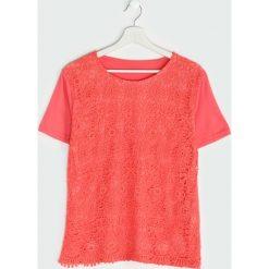 Koralowa Bluzka In Flower. Pomarańczowe bluzki nietoperze Born2be, l, z koronki, z krótkim rękawem. Za 39,99 zł.