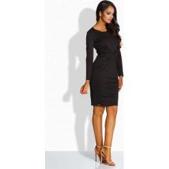Sukienki: Elegancka sukienka z zakładką w talii czarna