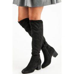 CZARNE MUSZKIETERKI NA OBCASIE VINCEZA. Szare buty zimowe damskie marki Born2be, z okrągłym noskiem, na niskim obcasie, na słupku. Za 179,00 zł.