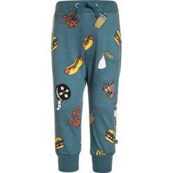 Småfolk PANTS WITH CINEMA Spodnie treningowe bluestone. Niebieskie spodnie chłopięce Småfolk, z bawełny. Za 169,00 zł.