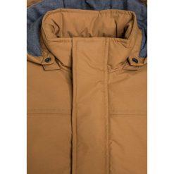 Name it NITMYLES Płaszcz zimowy brown sugar. Brązowe kurtki chłopięce zimowe Name it, z materiału. W wyprzedaży za 134,50 zł.