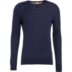 BOSS CASUAL KRONASTLE Sweter dark blue. Niebieskie kardigany męskie marki BOSS Casual, m, z bawełny. W wyprzedaży za 399,20 zł.