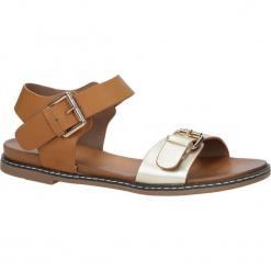 Złote modne sandały ze złotymi klamrami Casu K18X12/GO. Żółte sandały damskie Casu. Za 59,99 zł.