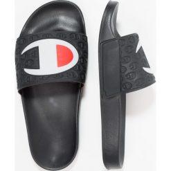 Champion Reverse Weave POOL SLIDES Sandały kąpielowe black. Czarne kąpielówki męskie Champion Reverse Weave, z materiału. Za 129,00 zł.