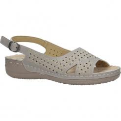 Szare sandały ażurowe na koturnie Casu 37171-5. Szare sandały damskie Casu, w ażurowe wzory, na koturnie. Za 49,99 zł.