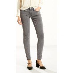 Dżinsy 711 SKINNY. Czarne jeansy damskie marki Levi's®, z standardowym stanem. Za 419,96 zł.