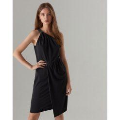 c18bbd4ef0 Elegancka sukienka na jedno ramię - Szary. Szare sukienki damskie Mohito