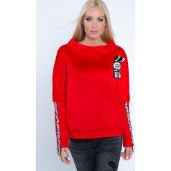 Bluza z napisami czerwona 6576. Czerwone bluzy damskie Fasardi, l, z napisami. Za 59,00 zł.