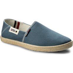 Espadryle TOMMY JEANS - Summer Slip On Shoe EM0EM00027 Jeans 013. Niebieskie espadryle męskie Tommy Jeans, z jeansu. W wyprzedaży za 159,00 zł.