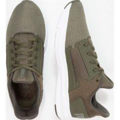 Puma ENZO STREET Obuwie treningowe forest night/castor gray. Zielone buty sportowe chłopięce marki Puma, z materiału. Za 249,00 zł.
