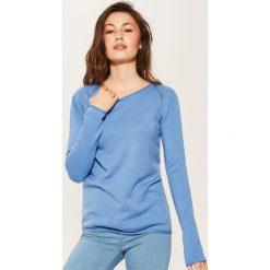 Swetry klasyczne damskie: Gładki sweter – Niebieski