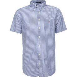 GANT THE BROADCLOTH BANKER  Koszula yale blue. Czerwone koszule męskie marki GANT, l, w kratkę, z bawełny, z klasycznym kołnierzykiem. Za 359,00 zł.
