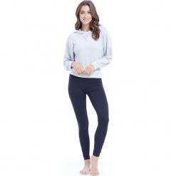 """Sweter """"Amber"""" w kolorze białym. Białe swetry oversize damskie BALANCE COLLECTION, s. W wyprzedaży za 121,95 zł."""