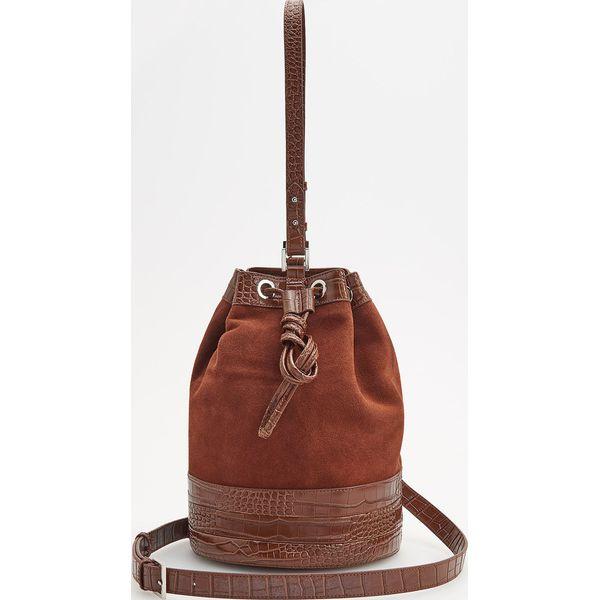 2189b1d11061f Skórzana torebka typu worek - Brązowy - Pomarańczowe torebki ...