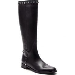 Oficerki GINO ROSSI - Nevia DKH950-G12-E100-9900-F 99. Czarne buty zimowe damskie Gino Rossi, z materiału, przed kolano, na wysokim obcasie, na obcasie. Za 829,90 zł.