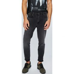 Review - Jeansy. Czarne jeansy męskie z dziurami Review. Za 219,90 zł.
