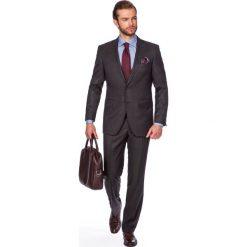 Garnitur Brązowy Aston. Brązowe garnitury marki LANCERTO, z tkaniny. W wyprzedaży za 299,90 zł.