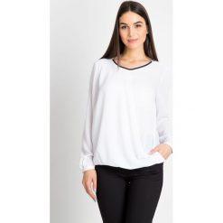 Bluzki asymetryczne: Elegancka biała bluzka z zakładką QUIOSQUE