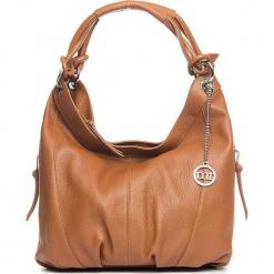 Skórzana torebka w kolorze jasnobrązowym - 30 x 31 x 13 cm. Brązowe torebki klasyczne damskie Mia Tomazzi, z materiału. W wyprzedaży za 363,95 zł.