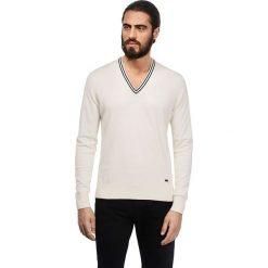 Swetry klasyczne męskie: Sweter w kolorze kremowym