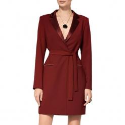 Sukienka w kolorze bordowym. Czerwone sukienki mini marki BOHOBOCO, w paski, z tkaniny, z dekoltem na plecach. W wyprzedaży za 1559,95 zł.